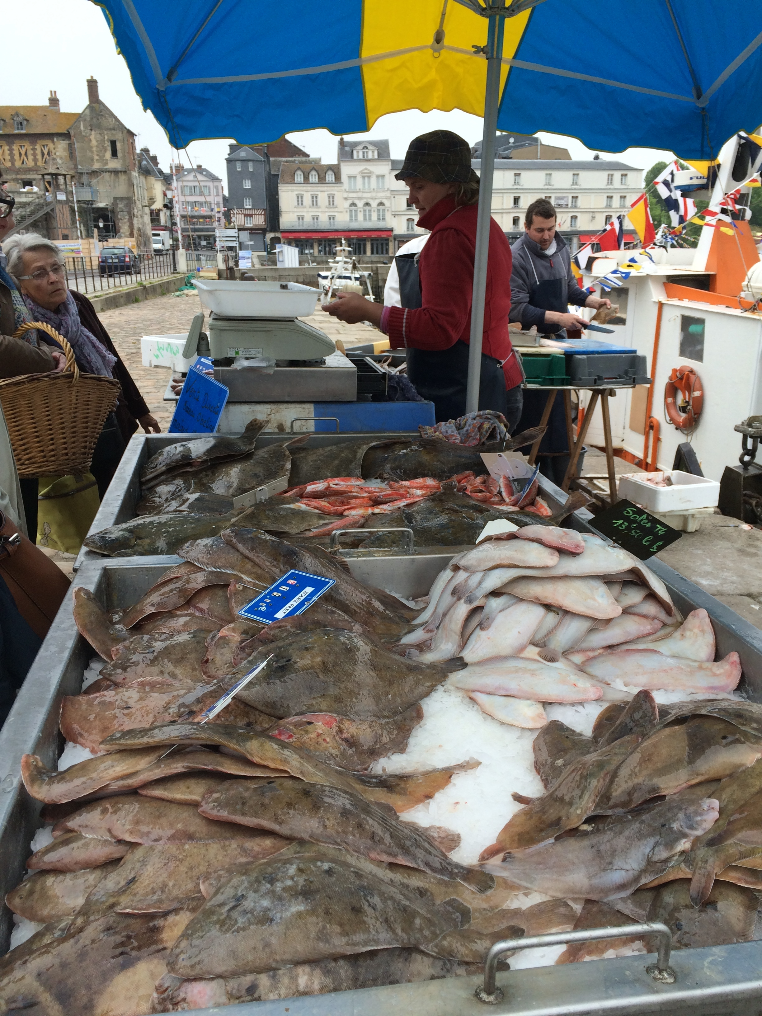 honfleur fish selling.